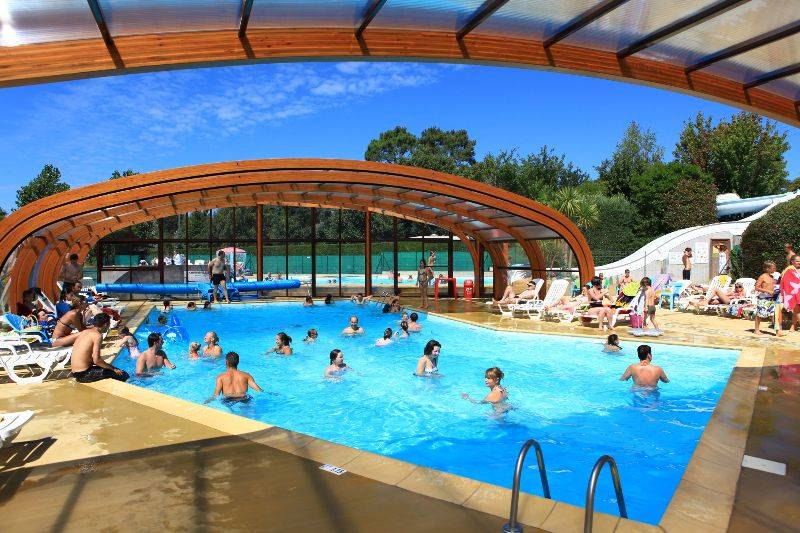 Camping morbihan piscine couverte camping kervilor for Piscine couverte
